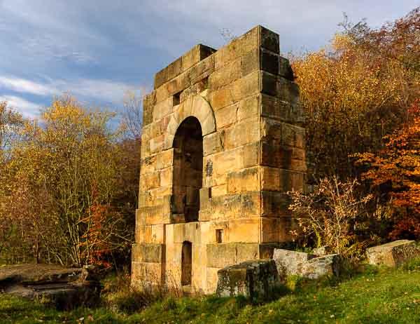 Ruined mine building on a Peak District landscape photography course. Photo © Chris James