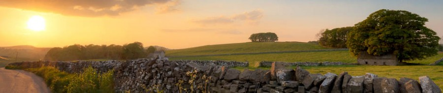A sunset in the Peak District. Digital photography courses for beginners and landscape photographers by Peak Digital Training